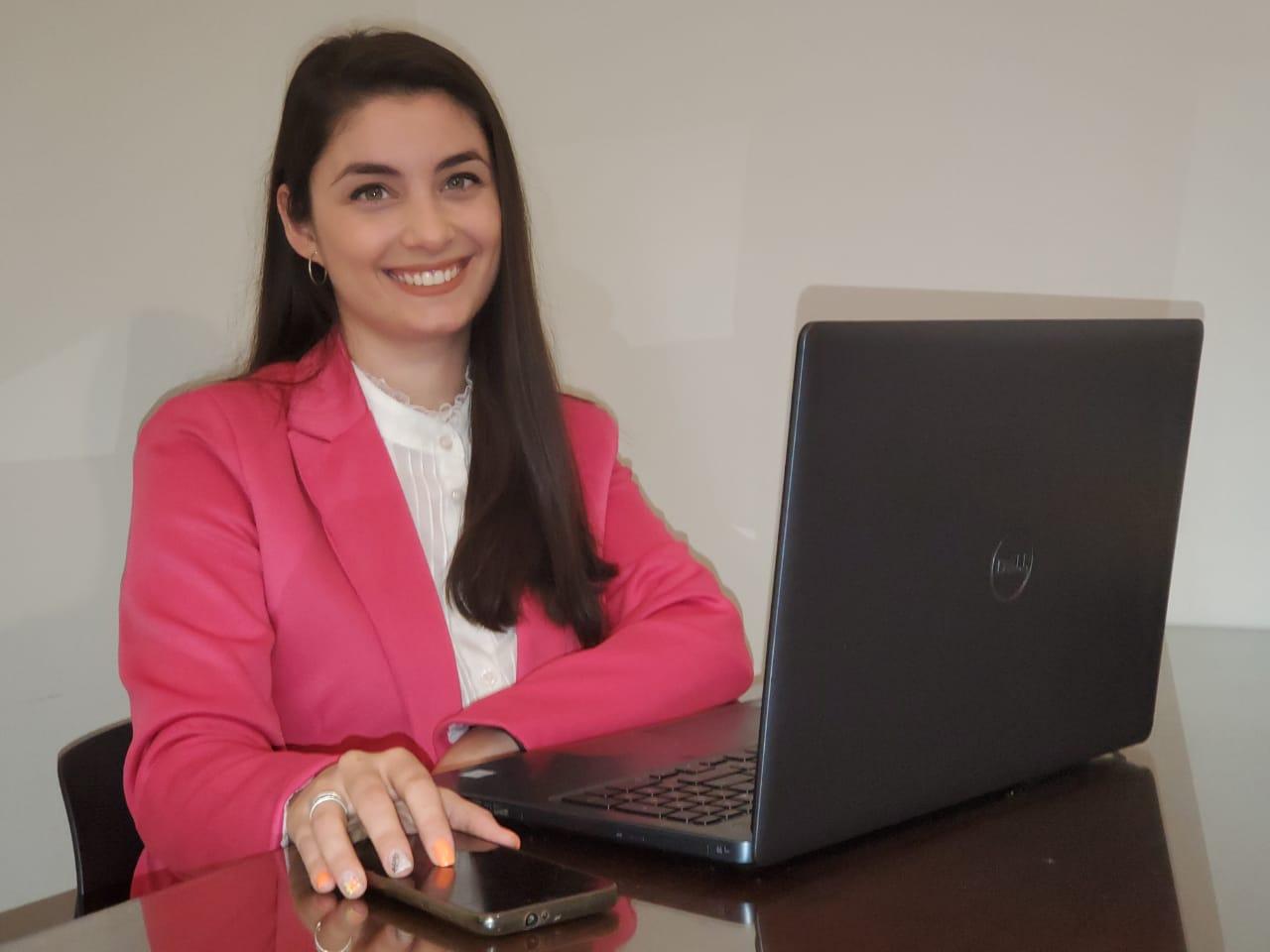 Antonella Frattura egresada de la carrera de Geología.